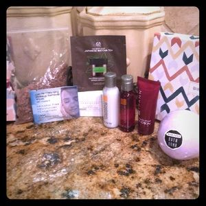 8 piece bath and beauty samples